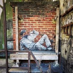Almost weekend, I'm getting started / #Art by #Levalet. . #völklingen #germany #streetart #graffiti #urbanart #graffitiart #urbanart_daily #graffitiart_daily #streetarteverywhere #streetart_daily #wallart #mural #ilovestreetart #igersstreetart #rsa_graf