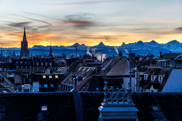 Morning in Bern: Fire light behind the tower (1/2)