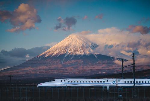 fuji mountain japan nippon n700 jr jr東海 shinkansen rail railway transport tokyo 新幹線 東海道新幹線 靜岡 shizuoka 富士山 nikon 70200