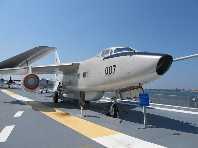 Douglas EA-3B Skywarrior 1