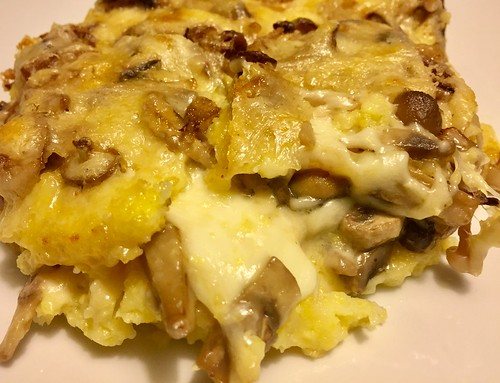 Homemade polenta with mushrooms, mozzarella and fontina cheese - Polenta con funghi, mozzarella e fontina | by by Gabriella