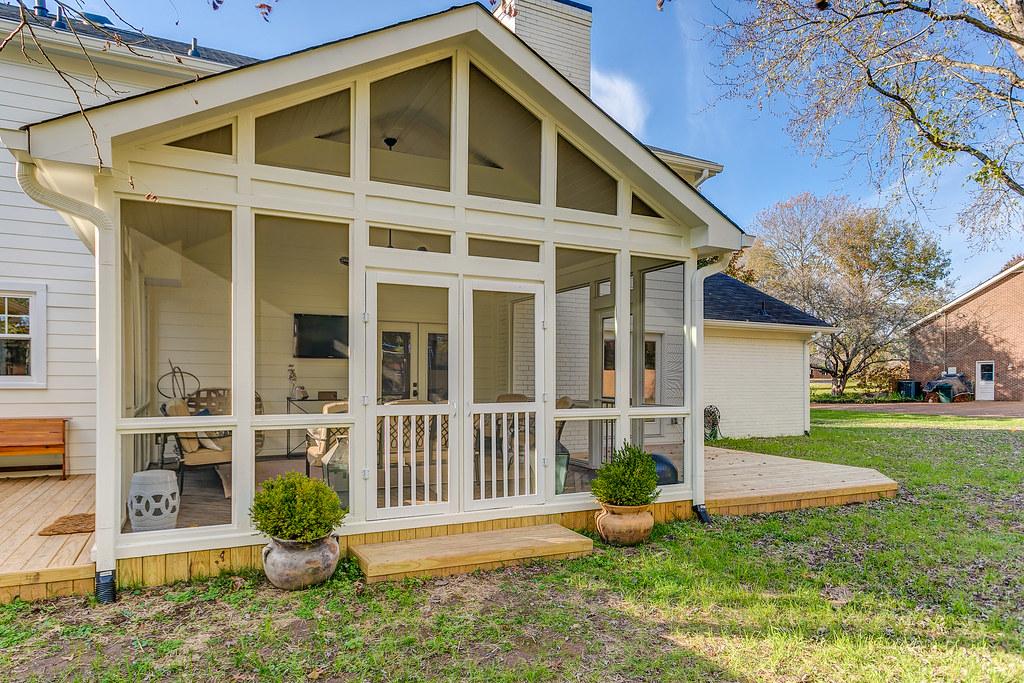 Decks & Outdoor Living