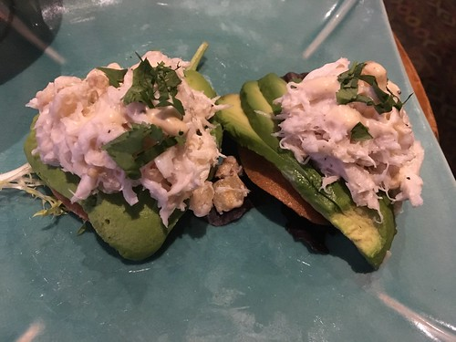 Crab and avocado on taro chips at Trader Vic's in Emeryville | by Neeta Lind