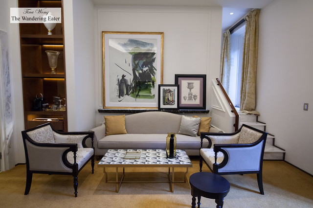 Living room area of Aurora Terrace Suite