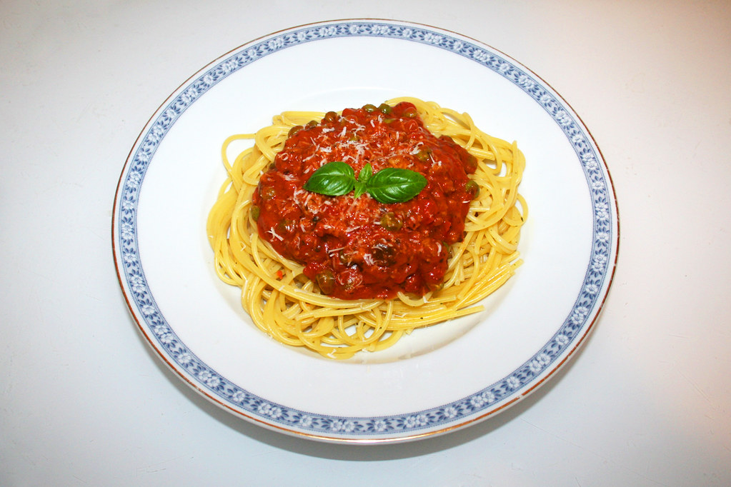 02 Spaghetti With Mincemeat Salsa Tomato Sauce Served Flickr