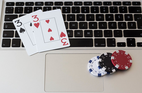 Online-Pokern   by wuestenigel