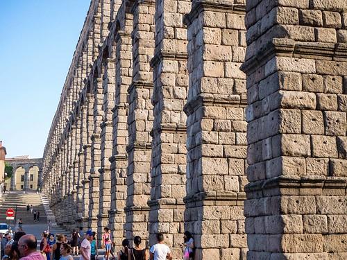 Acueducto. #segovia #summer2017 #stones #travelphoto #Olympus #photography | by treboada