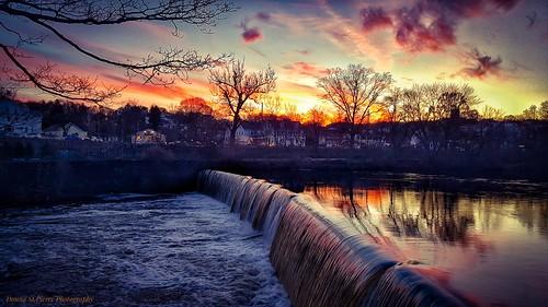 lincoln lincolnmills manville rhodeisland newenglandphotography photography photographer landscapephotography river sunsets travel travelphotography visit visiting blackstone