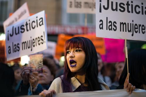 Concentración en Madrid en defensa de la víctima de la violación múltiple en San Fermín / Concentración en Madrid en defensa de la víctima de la violación múltiple en San Fermín
