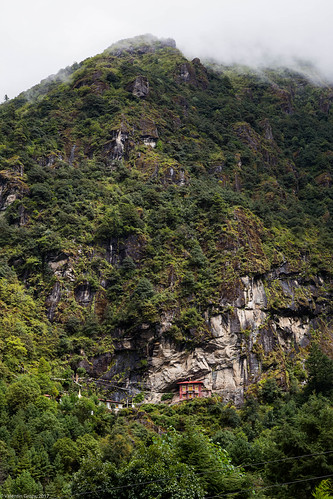 trail to Namche 01 | by Valentin Groza
