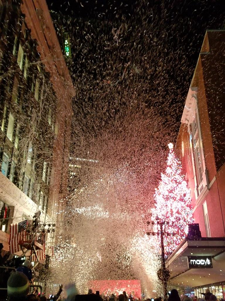 Christmas In Boston Massachusetts.11 24 2017 It S Confetti To Look A Lot Like Christmas Bo