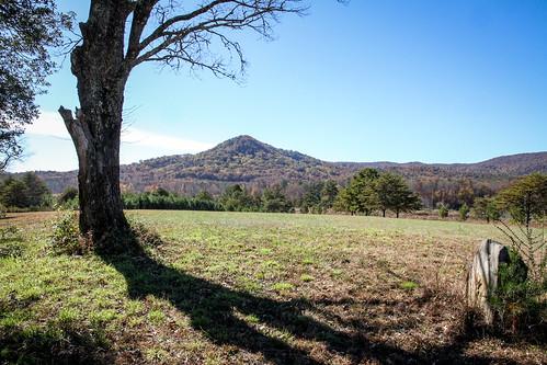 canon 7d efs1585mm lens upstate oconee walhalla tamassee knob south carolina rural country tomb stone rock oak mountain scenic landscape pastoral farm