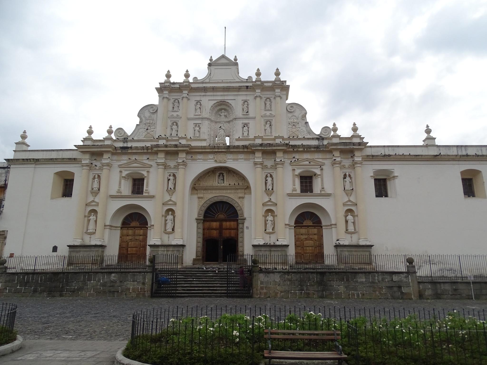exterior Catedral de Santiago Antigua Guatemala 01