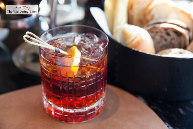 Negroni Speziato - Beefeater gin, Turin Drapò vermouth Rosso, Campari, bergamotto