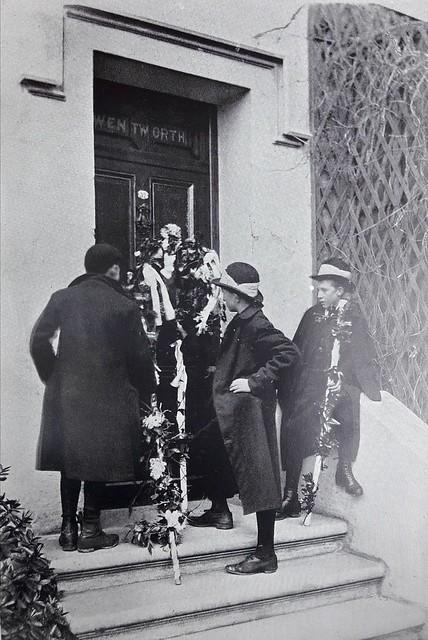 Hunt the Wren, Ramsey, 1904