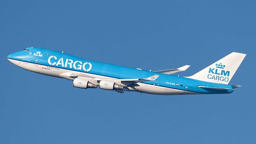 Banking cargo plane