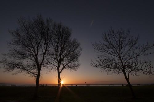 summerlights sunrise essex eastbeach shoeburyness silhouette threetrees sunburst
