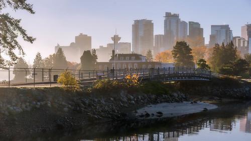vancouver stanleypark downtown foggy bridgespan autumn water tourism skyline museum hmcsdiscovery nikon d7000 dslr shoreline misty marine harbour coalharbour deadmansisland