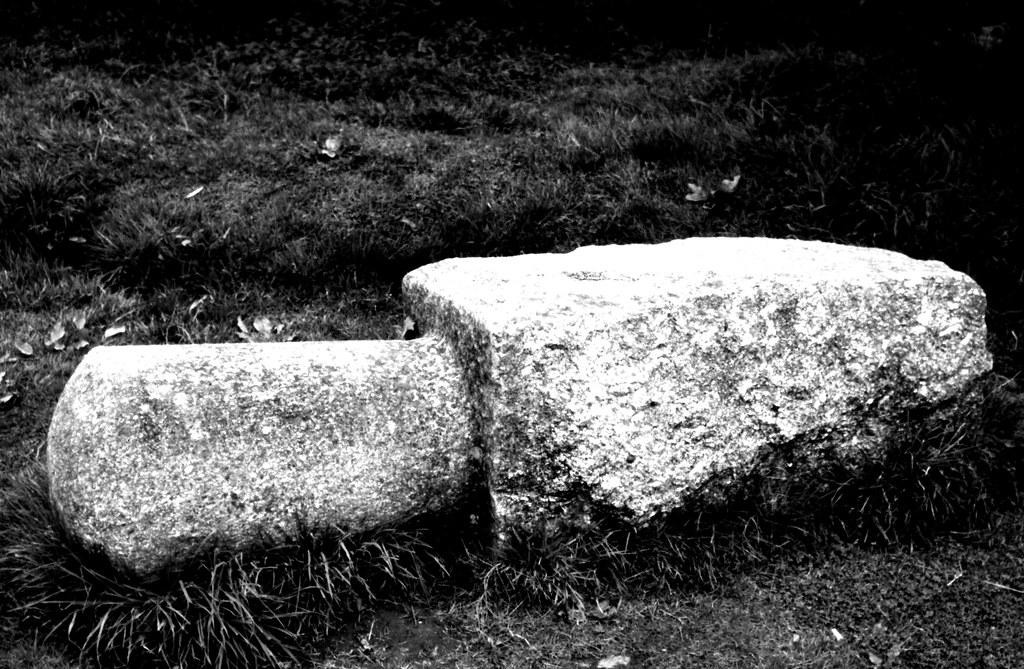 MWQ221 - Granite Mooring Bollard - Morwellham Quay   Flickr