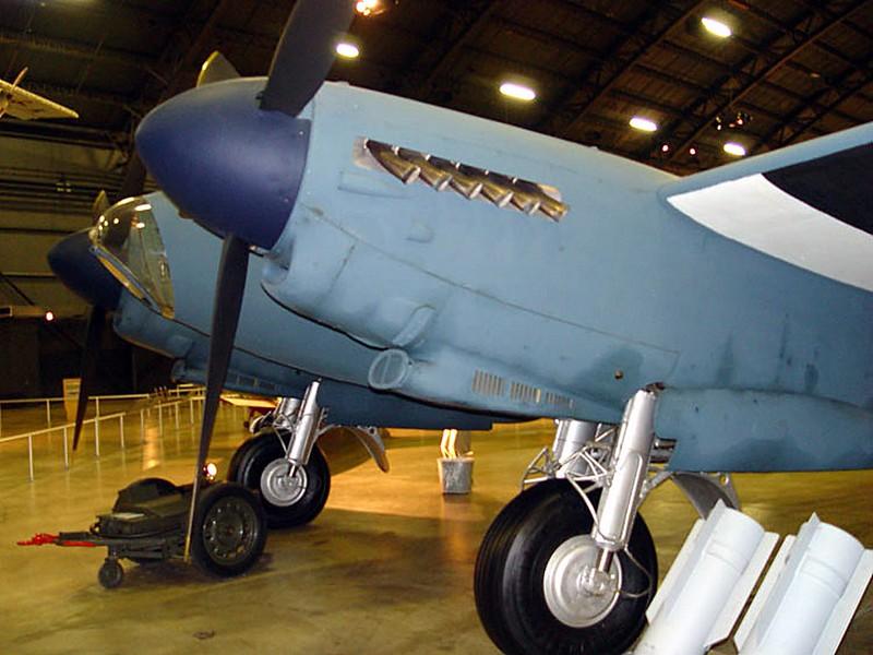 DeHavilland DH-98 Mosquito 1