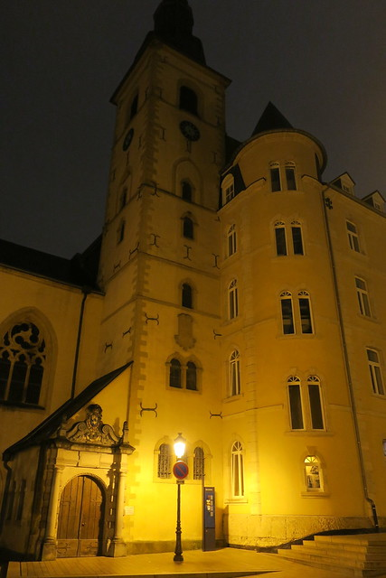 Luxembourg by night-Saint Michel
