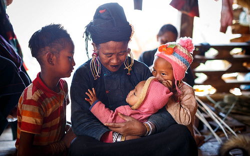 ©sébmar flickrcomsebmar habittraditionnel 8scenedevie kengtung birmaniemyanmar familleparentenfant instasebas shan myanmarbirmanie mm