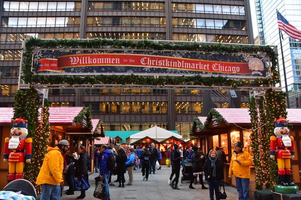 Chicago Christmas Market.Chicago S Christmas Market 2017 2017 Karin Talking To H