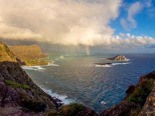 makapuupointlight oahu hawaii
