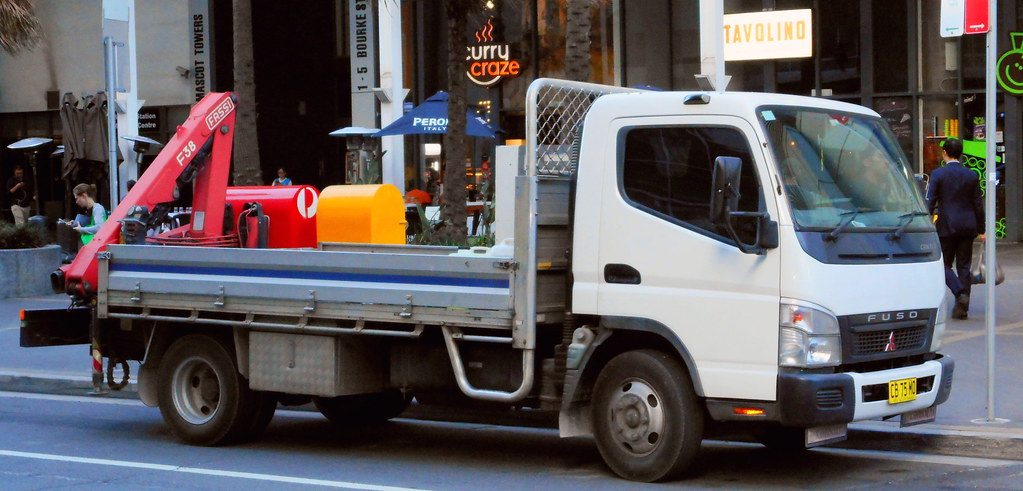 Light industrial tray truck modified for tradesman use - 2