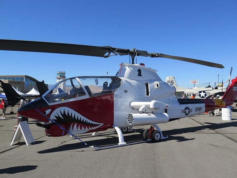 Zvon AH-1G HueyCobra 1