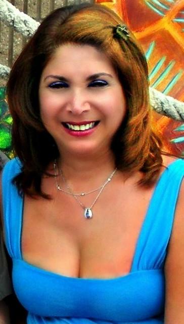 Busty Lynda | hot mom and hot MILF | Lynda A | Flickr