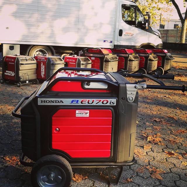 Quando ci viene chiesto a noleggio o vendita un generatore nella fascia 0-7 kW che sia compatto, silenzioso e affidabile abbiamo una sola risposta. #Honda  #hondapowergenerator #hondagenerator disponibili nooeggio/vendita @energyrentalsrl