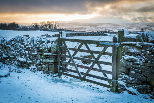 northstainmore england unitedkingdom gb borrowdale gate sunrise snow sky light walls