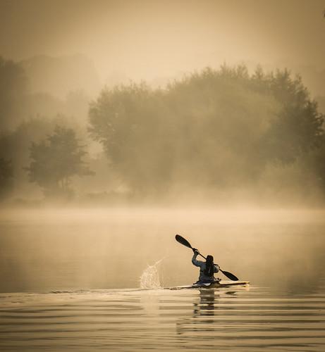 thames river canoe mist sunrise morning