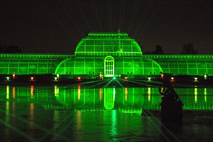 Light Show Near Me 2020.Kew Gardens Christmas Light Show Reflections Green Lights