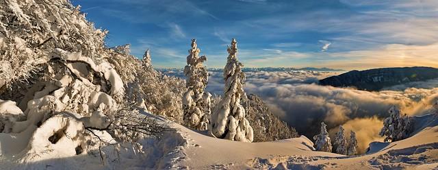 Panorama 12 12 12 20. No. 1602 +1653+1654. Mont Blanc & Le Creux du Van depuis Les Rochers de Tablettes (Canton of Neuchatel, Switzerland. ) . Winter  twilight time.