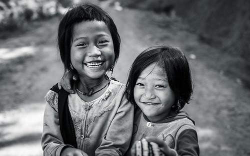 ©sébmar flickrcomsebmar portrait 7portrait regarderme kengtung birmaniemyanmar instasebas jeunefille personne shan myanmarbirmanie mm