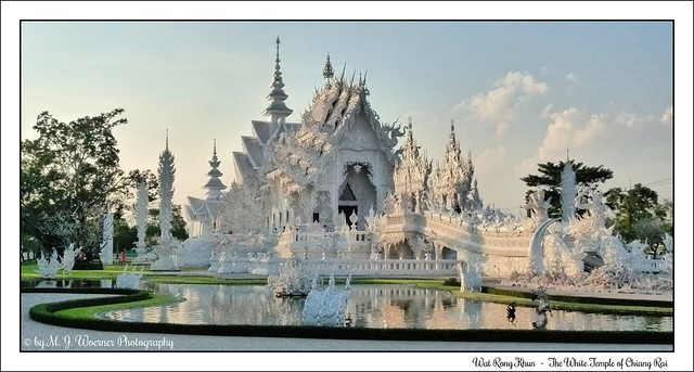 Wat Rong Khun - The White Temple of Chiang Rai 01