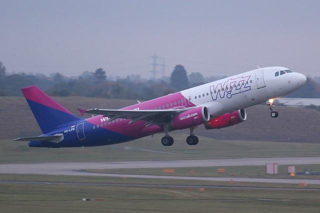 Wizz Air Airbus A320-200 HA-LPW