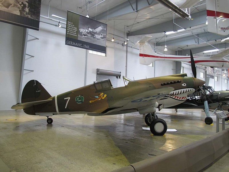 Curtiss P-40C Warhawk 1