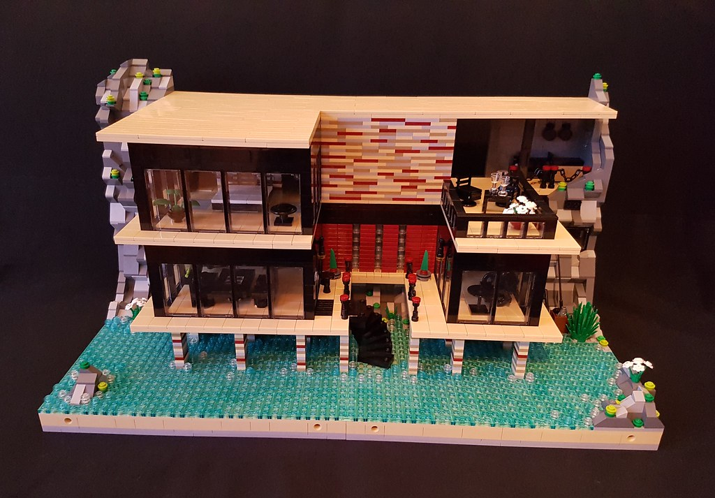 House on Striped Pillars MOC front