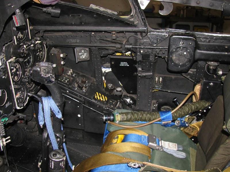Hawker Hunter T-7 4
