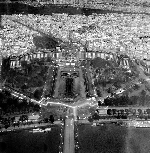 Trocadéro, Paris, thermal image from Eiffel Tower