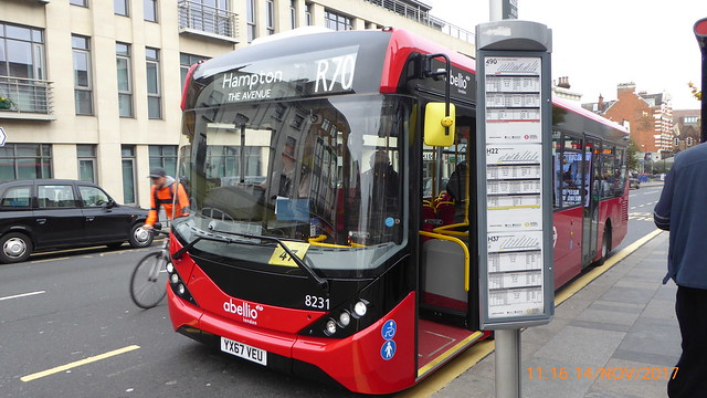 P1040753 8231 YX67 VEU at Richmond Station Kew Road Richmond London