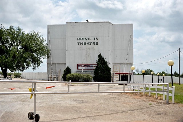 Beacon Drive In Theater - Guthrie,Oklahoma