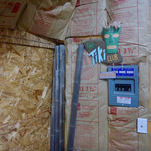 It's TIKI TIME! Let's See Those Home Tiki Bars, Rooms, and Lounges! 37850596565_4c8e894d3a