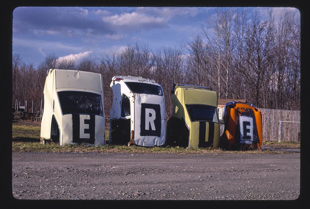 Erie Foreign Car Parts multi-statue sign, angle 1, Mohawk Street, Whitesboro, New York (LOC)