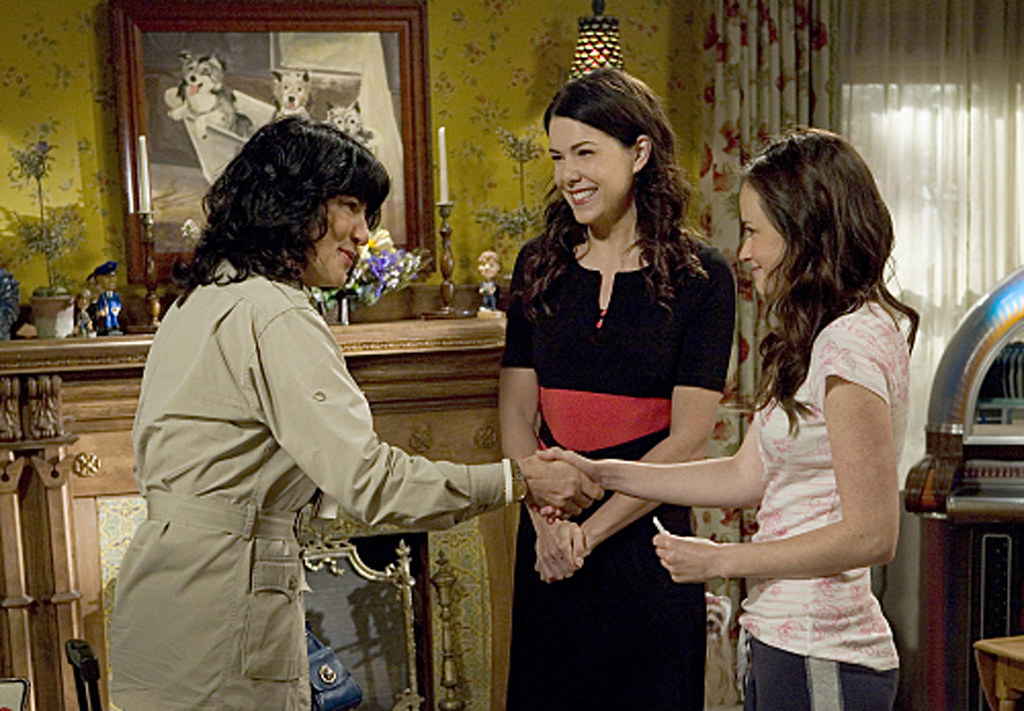 Christiane Amanpour as herself in the last episode of Gilmore Girls