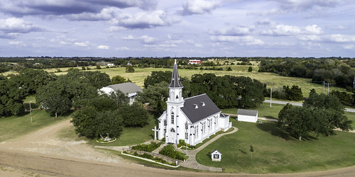 catholic dji dubina phantompro4 schulenberg stscyrilmethodiuscatholicchurch texas usa aerial architecture building church design historic image old paintedchurch panorama photo photograph religion touristattraction f63 mabrycampbell november 2017 november102017 20171110campbelldji0011 88mm ¹⁄₆₄₀sec 100 24mm fav10