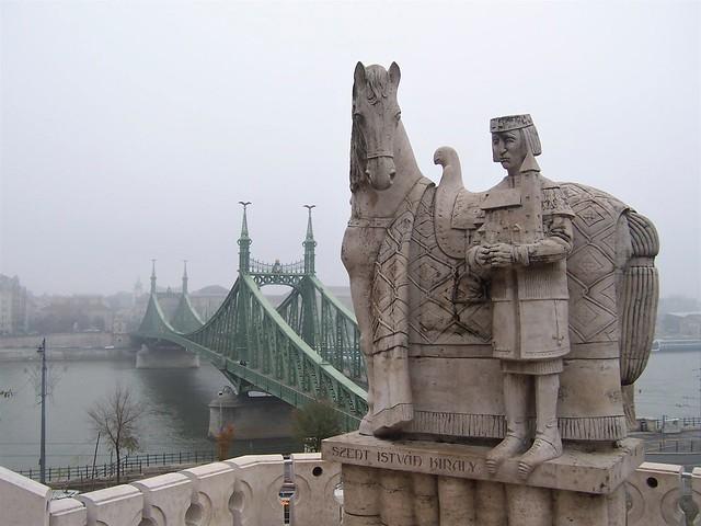 King Stephen statue overlooking Danube